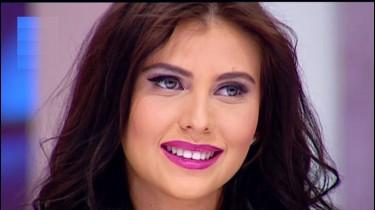 Video HD SEXY ROXANA ILIE Plesea despre Bogatie si Saracie la TEO TRANDAFIR SHOW Martie 2014