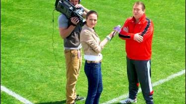 Video HD Reclama Pateu Ficat ANTREFRIG Interviu Antrenor De Fotbal La Stadion FullHD 1080P