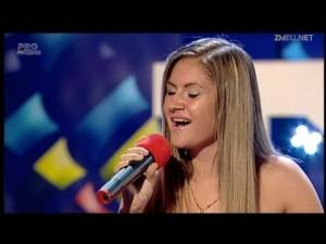 Bianca Patru 15 ani pustoaica in roz canta la Romanii Au Talent 29.03.2013 ProTv1080p FullHD