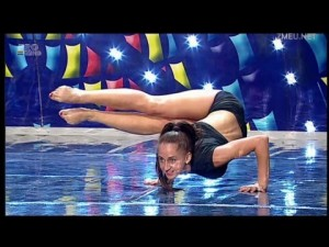 Sexy Politista Fitness Romanii Au Talent Laura Cupsa 21 de ani Got Talent 29.03.2013 1080p FullHD